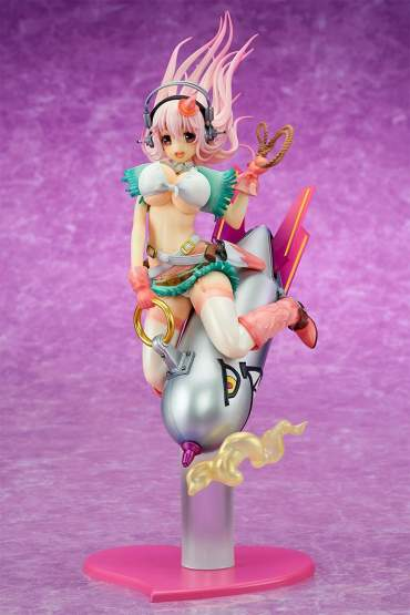 Super Sonico Love Bomber (Super Sonico) PVC-Statue 1/7 27cm Ques Q